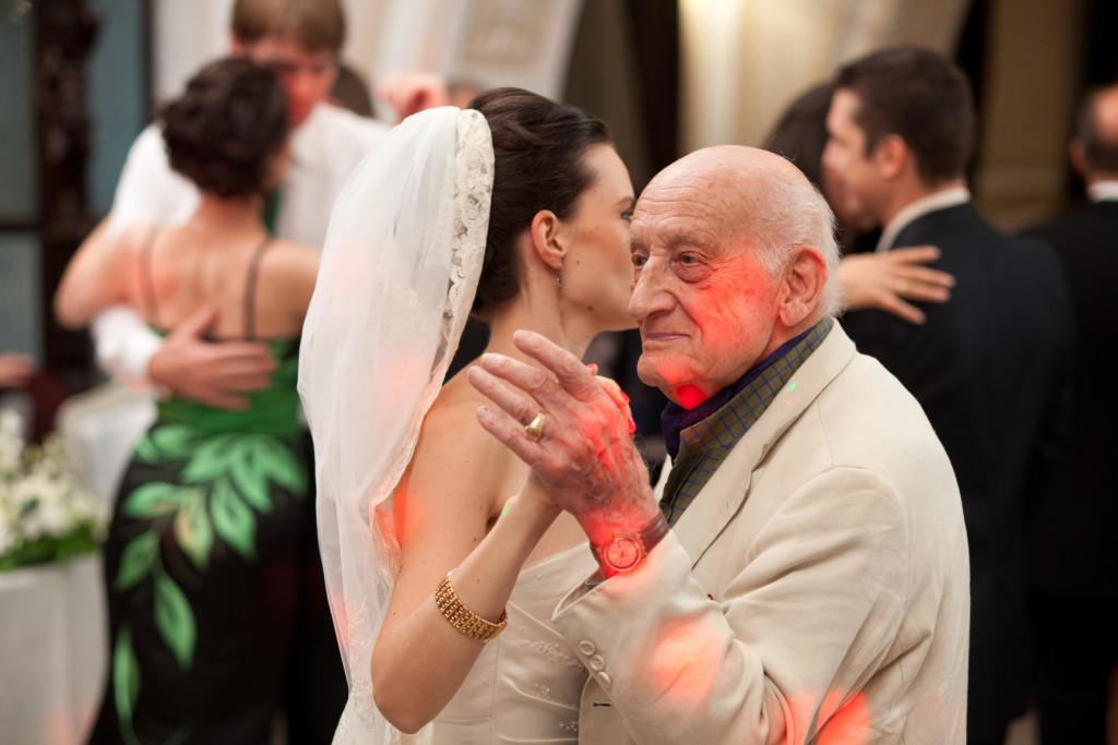 "Neagu Djuvara danseaza cu Ana, la nunta noastra, pe melodia ""Marinella"" a lui Tino Rossi. 10 septembrie 2011. Foto: Filip Gabriel."