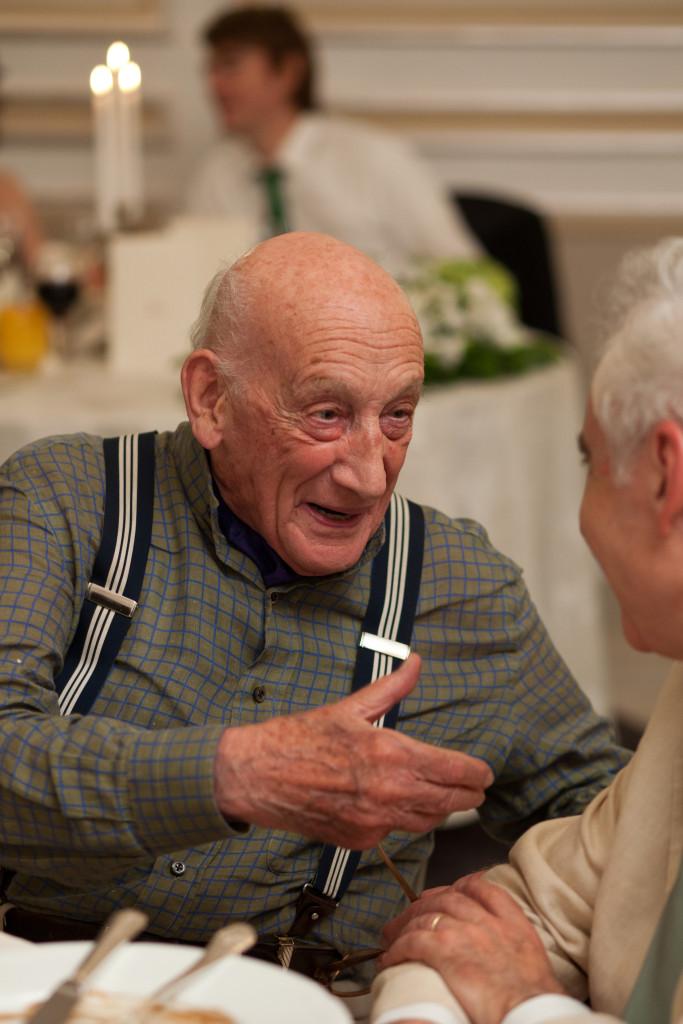 De vorba cu Printul Mihai Brancoveanu, la nunta Anei si a mea, 10 septembrie 2011. Foto: Filip Gabriel.